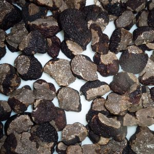 Tuber-melanosporum-fresca-trozos